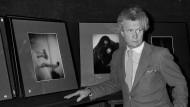 David Hamilton im November 1983 bei einer Verkaufsausstellung seiner Arbeiten in Paris
