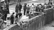 Alles auf Anfang? Die DAU-Aktion hätte den Berliner Mauerbau vom 13. August 1961 nicht einfach wiederholt, sondern die damit verbundenen Gefühle wiedererweckt.