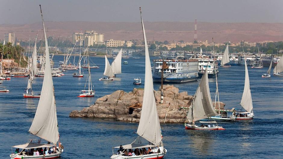 Vor 2011 schwamm zwischen Luxor und Assuan im Durchschnitt alle fünfhundert Meter ein Dampfer.