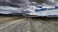 Die Weite und Leere der Mongolei vermittelt in all ihrer Unzugänglichkeit dennoch etwas Beruhigendes, fast Meditatives.