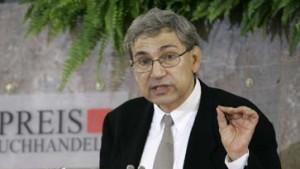 Friedenspreisträger Pamuk kritisiert deutsche Politiker