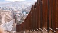"""""""La Frontera"""" heißt schlicht die Grenze zwischen Vereinigten Staaten und Mexiko, hier bei Nogales."""