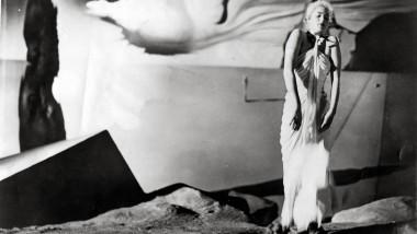 """Salvador Dalí entwarf die Kulisse für die Traumszenen in Alfred Hitchcocks """"Spellbound"""" von 1945, hier mit Ingrid Bergman im Bild."""