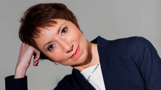 """Shereen El Feki - Die Autorin aus Ägypten wird von Lena Bopp zu Ihrem neuen Roman """"Sex und die Zitadelle"""" befragt."""