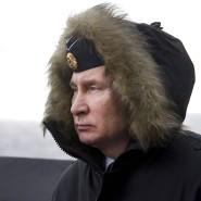 Wladimir Putin beobachtet eine Militärübung am Schwarzen Meer Anfang Januar