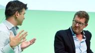 Künftig enger miteinander verbunden: Uber-Chef Travis Kalanick und Kai Diekmann im Juni 2016 in Berlin