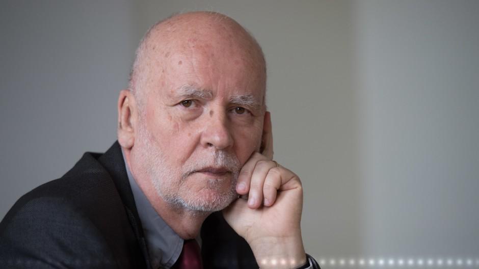 """Thomas Huber liest """"Wettbewerb"""" von Adam Zagajewski"""