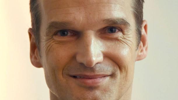 Spiegel klaus brinkb umer bleibt chef medien faz for Spiegel leserreisen