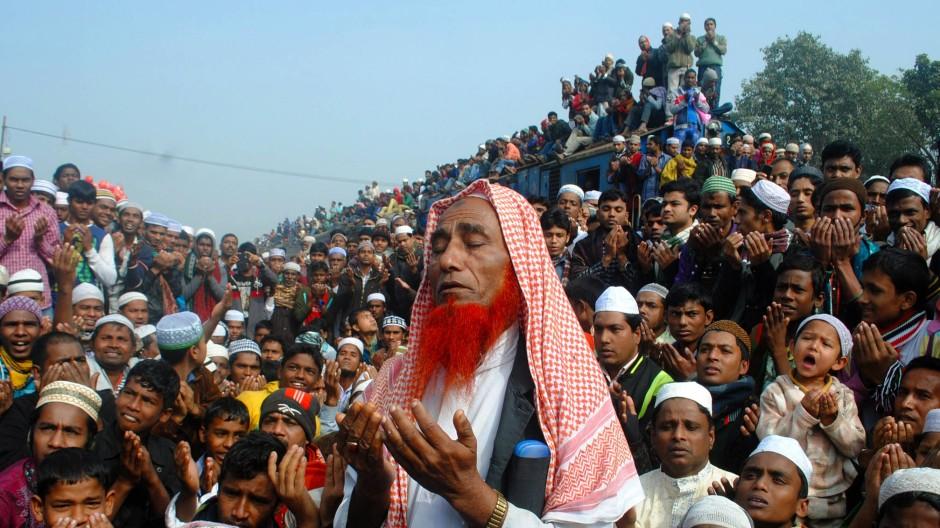 Islamische Vielfalt: Muslime beten auf der World Muslim Congregation in Bangladesch
