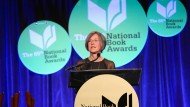 Louise Glück bei den National Book Awards 2014