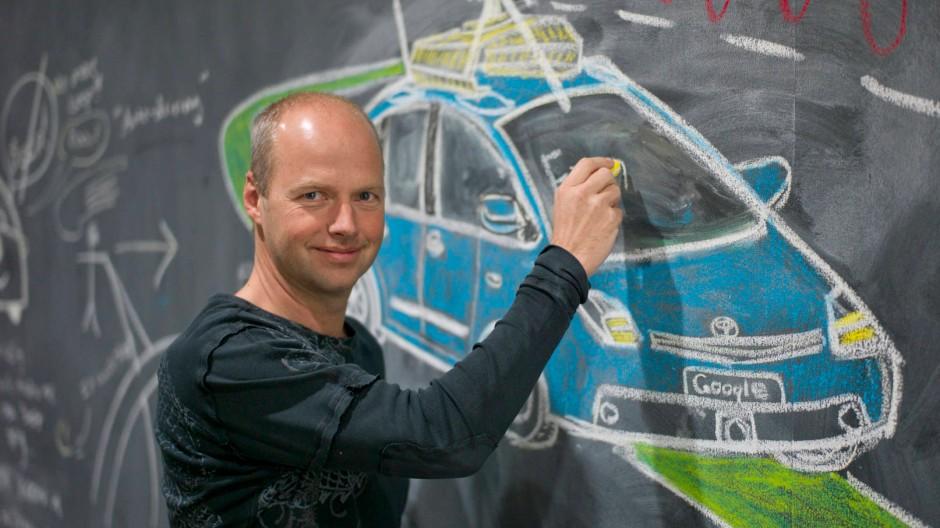 Es trinkt nicht, es erschrickt nicht, irgendwann soll es sicherer fahren als der Mensch: Sebastian Thrun entwirft das fahrerlose Auto
