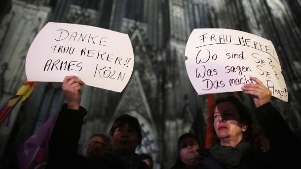 Übergriffe in Köln: Frauen, versteckt euch!