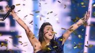 """Goldglitter unter Tränen: Jamala gewinnt mit """"1944"""" den Eurovision Song Contest für die Ukraine. Kann sich die Ukraine diesen Sieg leisten?"""