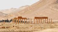 Von außen sieht Palmyra am Ostersonntag noch recht unbeschadet durch den IS aus. Schlimmer sind die Schäden im Museum.