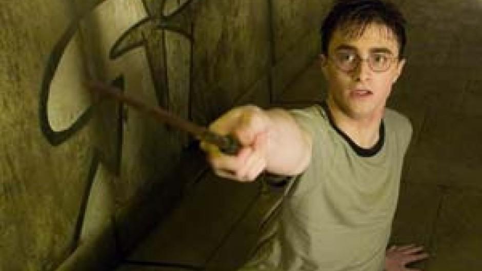 Ende Einer Erfolgsreihe Stirbt Harry Potter Im Juli Bucher Faz