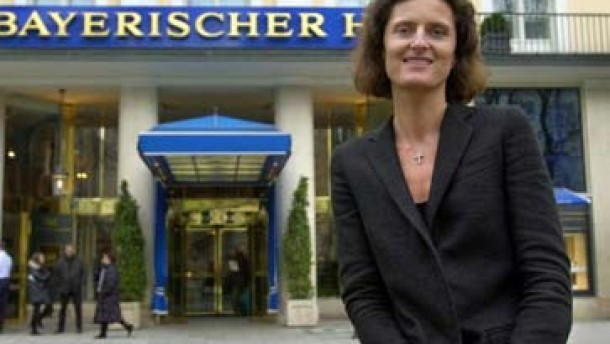 Frau Hoteldirektor