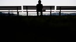 Wird der Einsame krank oder der Kranke einsam?