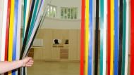 """Prophetisch: """"Die Zukunft verhält sich immer anders"""" hieß die Installation des Briten Liam Gillick im Deutschen Pavillon bei der Biennale von Venedig im Jahr 2009."""