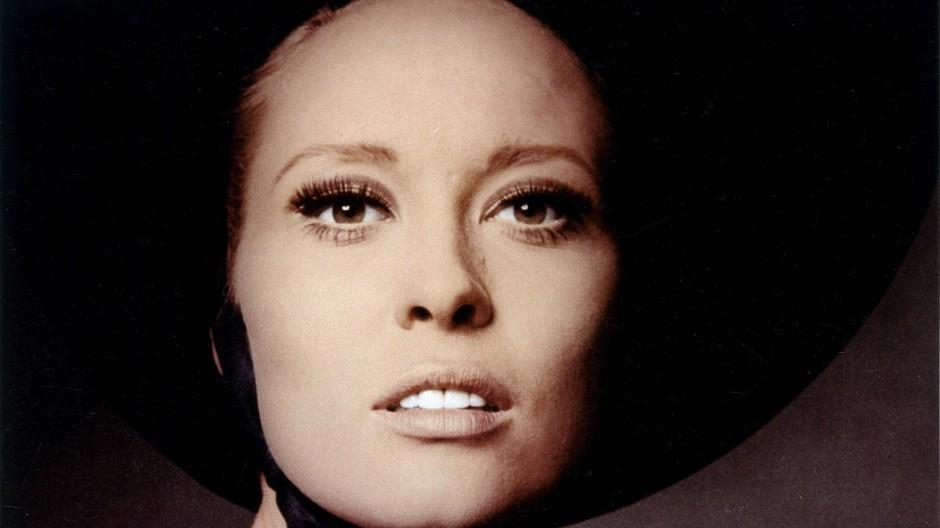 Man sieht, dass sie denkt, wenn sie spielt: Faye Dunaway in Norman Jewisons Film Thomas Crown ist nicht zu fassen von 1968