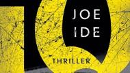 """Joe Ide: """"I.Q."""". Thriller. Aus dem amerikanischen Englisch von Conny Lösch. Herausgegeben von Thomas Wörtche. Suhrkamp Verlag, Berlin 2016. 387 S., br., 14,95 €."""