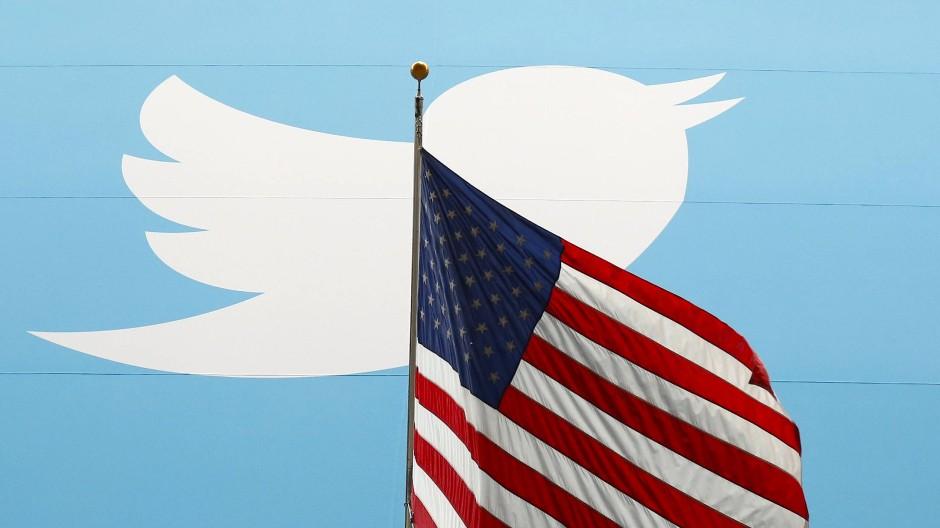 Weiß, nationalistisch, laut: Mit den sozialen Medien wurde die neue Rechte groß. Dem Ansehen des Konzerns schadete das jedoch.