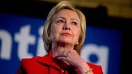 """""""Ich geb's auf. Ruf mich zu Hause an."""" Droht Hillary Clinton weiteres Ungemach durch ihren laxen Umgang mit amtlichen E-Mails?"""
