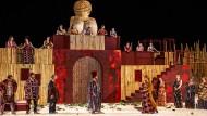 """Sommertheater in der heißen Nacht von Syrakus: Szenenbild aus """"Lysistrata"""""""
