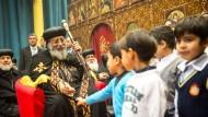 Unterhaltung mit der Zukunft der koptischen Christenheit: Papst Tawadros II., bei einem Besuch 2013 in Frankfurt