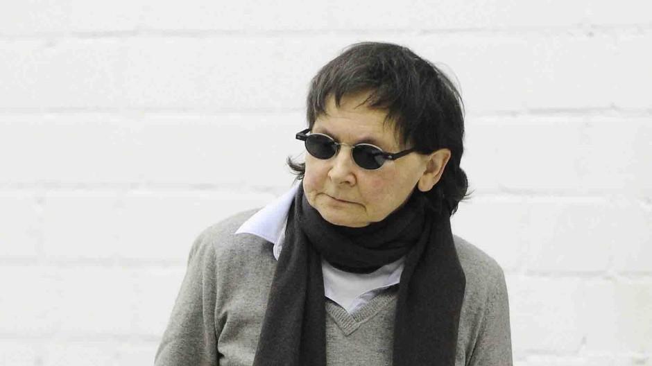 Verena Becker im Gerichtssaal des Oberlandesgerichts Stuttgart-Stammheim