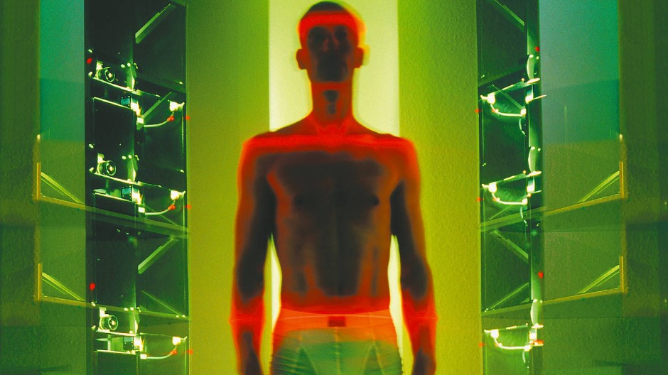 In anderen Dimensionen: Bodyscanner als Ausstellungsobjekt