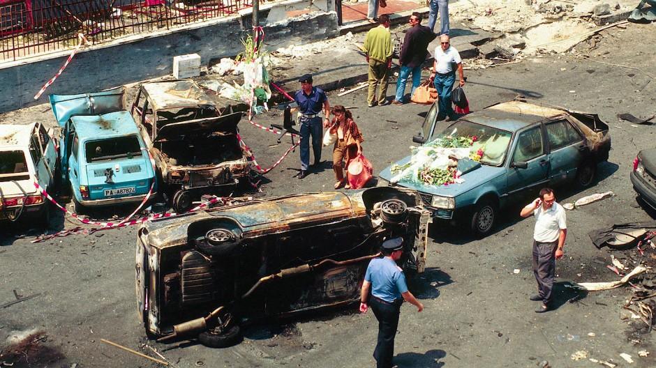 Der zweite Schlag des kalten Sommers: Fassungslosigkeit nach dem Attentat auf Staatsanwalt Paolo Borsellino und seine Leibwächter am 19. Juli 1992 in Palermo