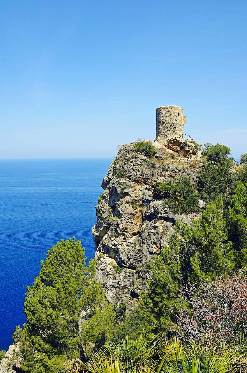 Der Wachturm Torre del Verger, auch Torre de ses Animes, beim Dorf Banyalbufar