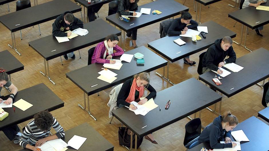 Fleißnachweis: schriftliche Abiturprüfung in Düsseldorf