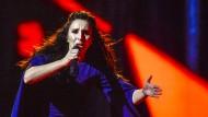 Sie holte mit dem Titel in Stockholm die Ausrichtung im Jahr 2017 in die Ukraine: Die ukrainische Sängerin Jamala beim ESC-Finale im Mai.