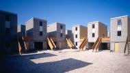 """Bauen für Arme: Alejandro Aravena meint, ein """"halbes Haus"""" reicht."""