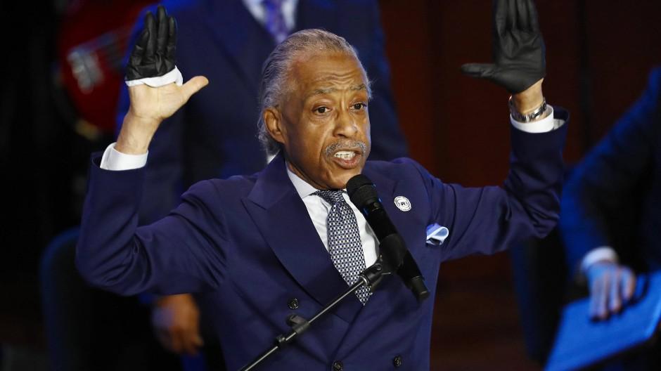 Im Alter von neun Jahren war er Pfingstprediger, später Tourmanager von James Brown: Al Sharpton spricht bei der Trauerfeier für George Floyd am 4. Juni in Minneapolis.