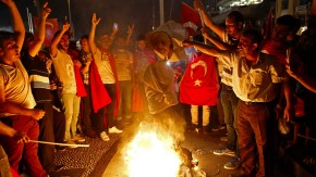 """Türkische """"Säuberungen"""": Überwachen und Strafen in einer Hand"""
