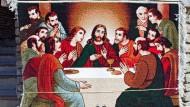 Jesus mit den Jüngern beim Abendmahl: Wandteppich am unteren Eingang zur Erbils Zitadelle, Nordirak