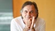 Markus Hinterhäuser ist seit 2016 Intendant der Salzburger Festspiele. Die heurige Ausgabe beginnt am 20. Juli, am 21. Juli ist Hinterhäuser dort als Pianist zu erleben.