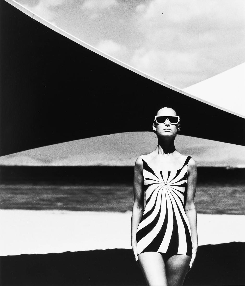 Vortex: Op Art Design auf einem Badeanzug von F. C. Gundlach, 1966