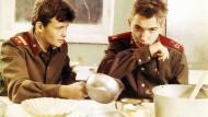 """Sto dnei do prikaza"" (""100 Tage, Genosse Soldat"", 1990) von Khusein Erkenov"