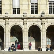 Anzeichen einer Radikalisierung? Studenten vor der Sorbonne