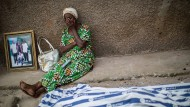 Der Verlust lässt die Mutter alt werden: Opfer von Polizeigewalt in Bujumbura.