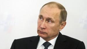 Zwölf Stunden am Tag in Putins Sinne