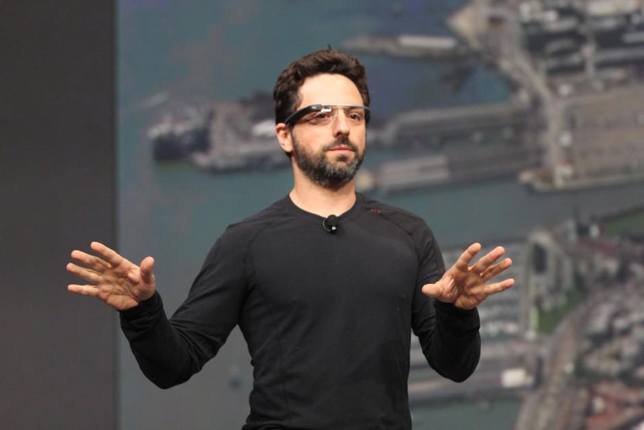 """Google-Mitgründer Sergey Brin mit """"Google Glass"""" auf der Entwicklerkonferenz I/O"""