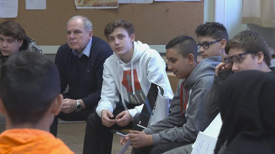 "Szene aus der ZDF-Dokumentation  ""Rechnen, Rappen, Ramadan – Schule im Brennpunkt"""