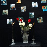 Teheran, 14. Januar: Ein improvisierter Traueraltur mit Fotos der Opfer der versehentlich abgeschossenen Passagiermaschine