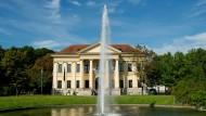 Lange Jahre durften hier wohlmeinende Denkmalstifter ihre Statuen abstellen: Hinter dem Prinz-Carl-Palais liegt der Münchner Finanzgarten.