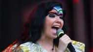 Björk zieht Vulnicura um zwei Monate vor