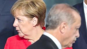 Ob auch Deutschland die Nazi-Vergleiche vergessen kann?